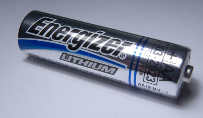 """Литиевая батарейка формата АА (""""пальчиковая"""") с напряжением 1.5 В"""
