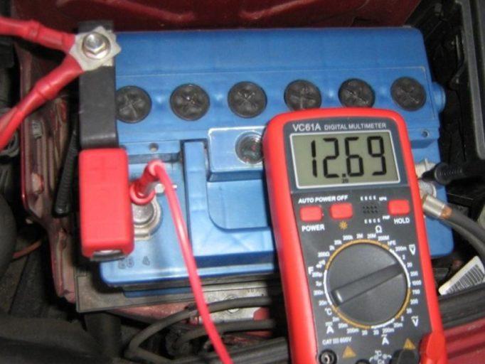 Какой лучше выбрать аккумулятор на ВАЗ 2115 и как его заменить
