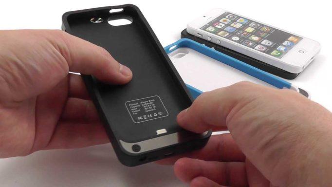 Как зарядить iPhone без шнура и зарядника