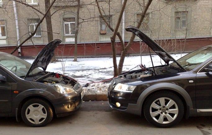 Основные признаки севшего аккумулятора автомобиля