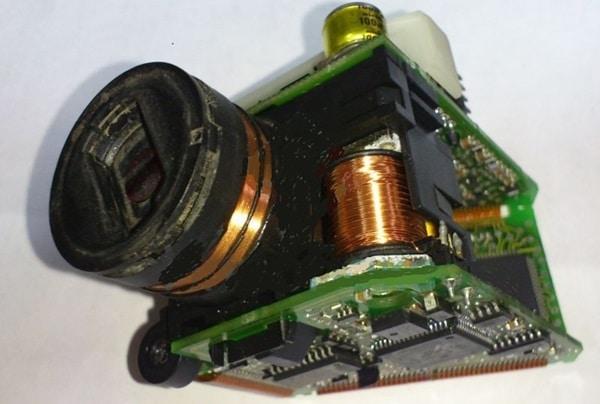 Почему горит значок аккумулятора на панели и как устранить проблему
