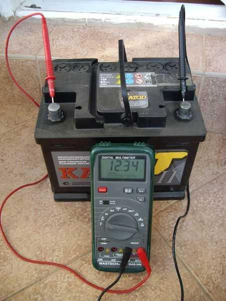 Новый аккумулятор — как правильно начать эксплуатацию и нужно ли его заряжать